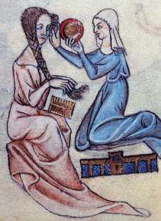 medieval-lady-h-comb